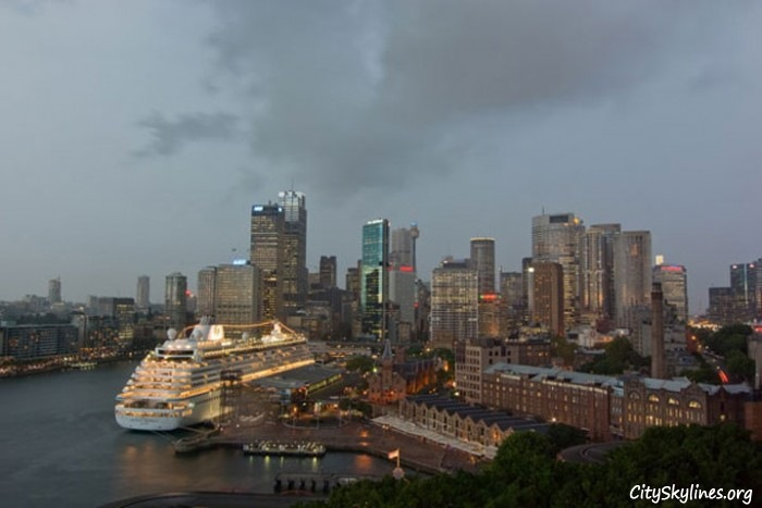 Sydney skyline with cruise ship