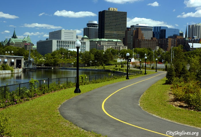 Ottawa, City Skyline - Street View