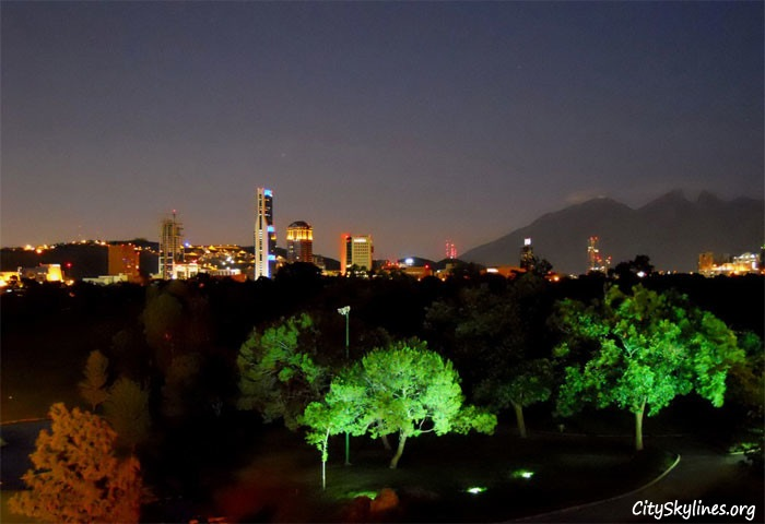Monterrey, Campestre Park at night